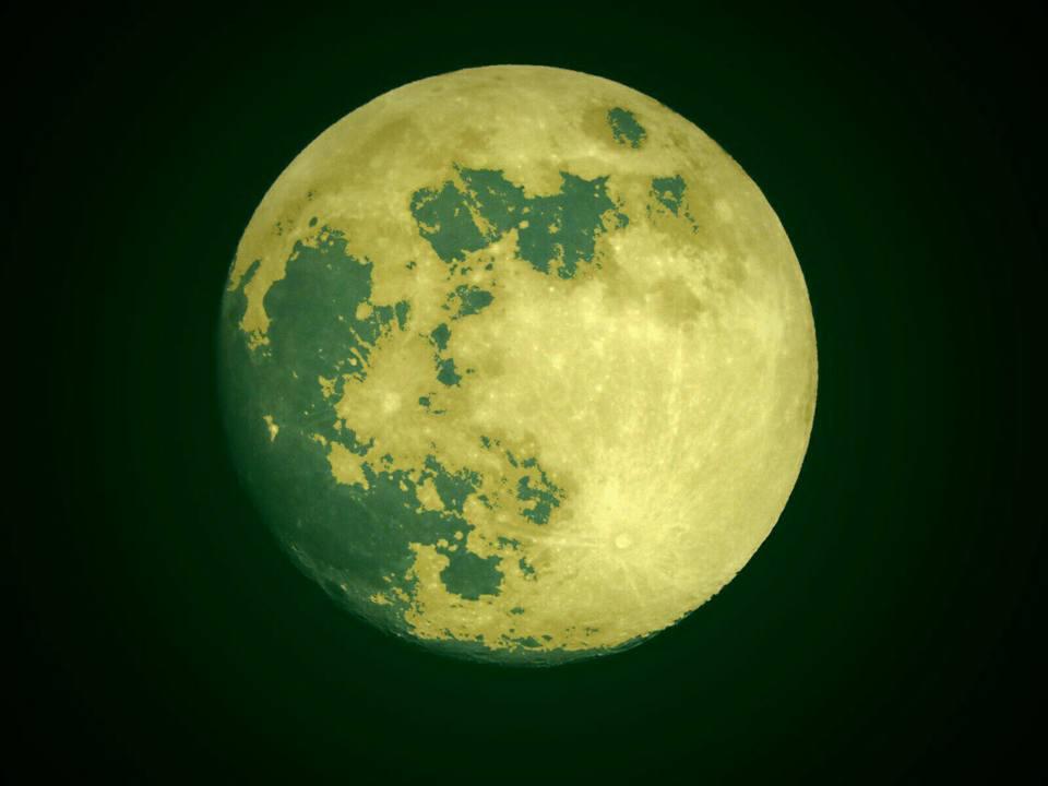 Luna verde, vista desde Córdoba. Fotografía J C Hernández
