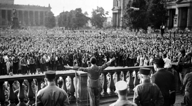 Refutación de Bernard Henri Levy sobre el populismo